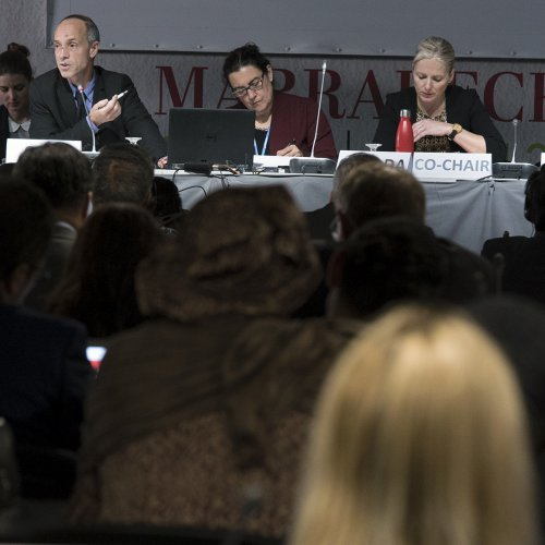 (L-R): Helena Molin Valdes, Head of the CCAC Secretariat; SAP Chair Drew Shindell; CCAC Working Group Co-Chair Rita Cerutti, Canada; Catherine McKenna, Minister of Environment and Climate Change, Canada; and Pablo Badenier, Minister of Environment, Chile