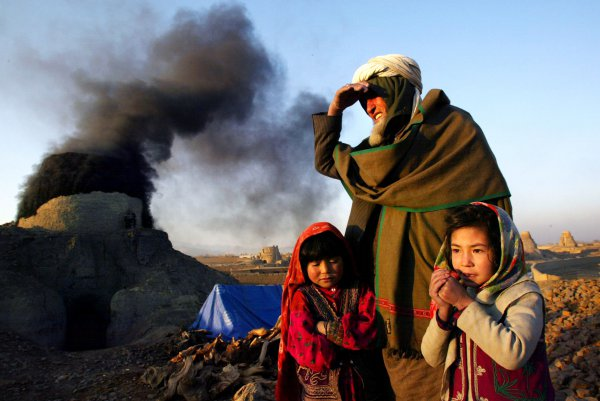 children, air pollution near brick kilns
