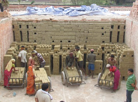 Training on Brick Stacking in India  Credit: Greentech Knowledge Solutions